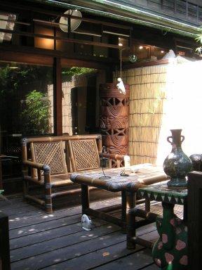 隠れ家的カフェ 「楽」 空堀