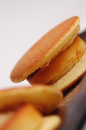 湯布院創作菓子「ぷりんどら」 菊屋