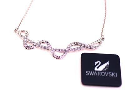 ■永遠の輝きSWAROVSKIのネックレス