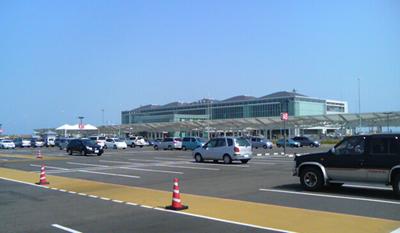 ■新北九州空港でスターフライヤーと山小屋のラーメン