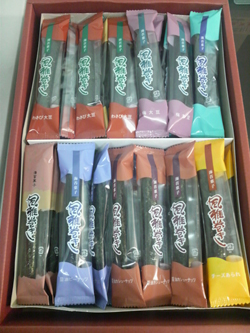 2008.10.8 絶品 風雅巻き 熊本の海苔菓子