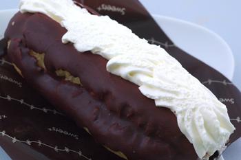 2009.7.13 ダイエットは明日からね!のファミリーマート「Wクリームエクレア」