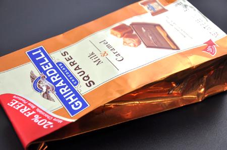 2009.12.21 クリスマスにぴったり!GHIRALDELLIのミルク&キャラメルチョコ