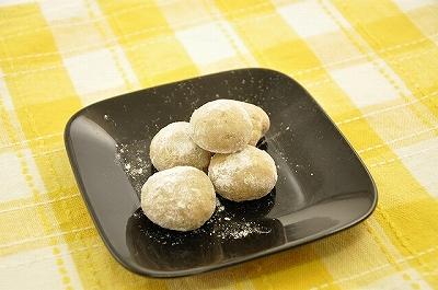 さつま芋粉のスノーボール.jpg