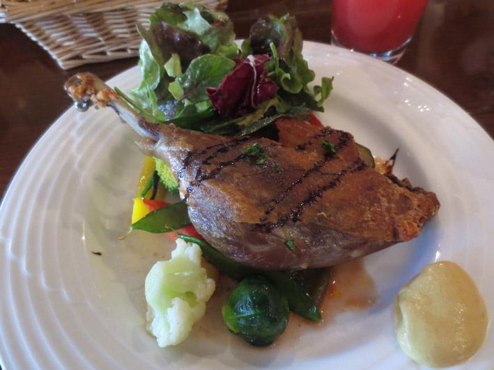 鴨もも肉のコンフィ.jpg
