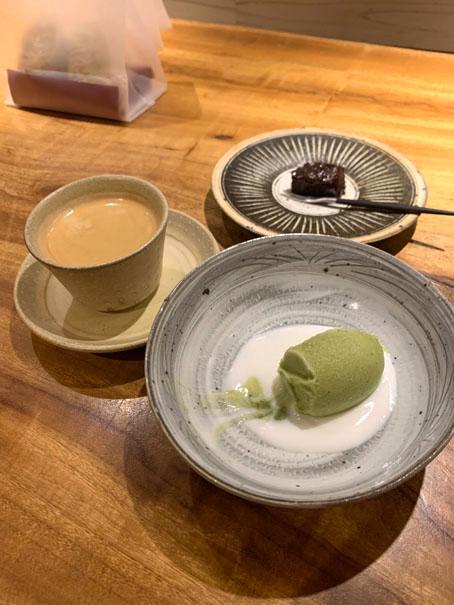 15花小町コーヒー茶菓子.jpg