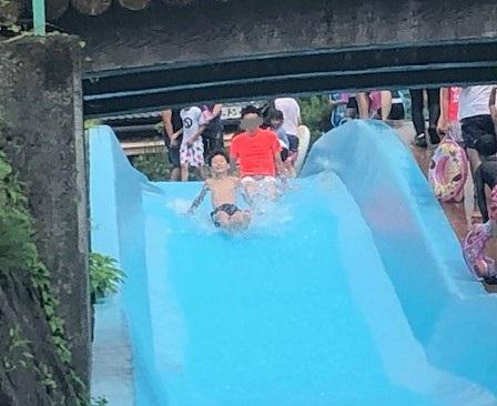 IMG_2507川のプール滑りはじめ.jpg