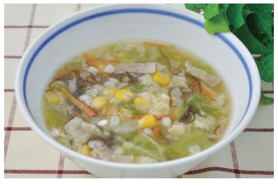 もずくと押麦のスープ